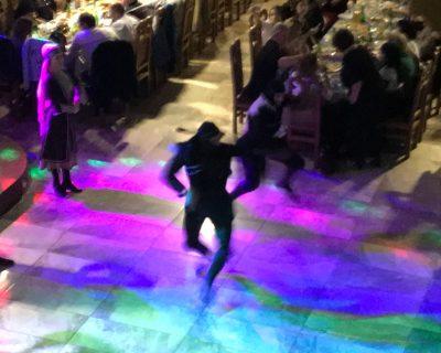 רקדן במסעדה